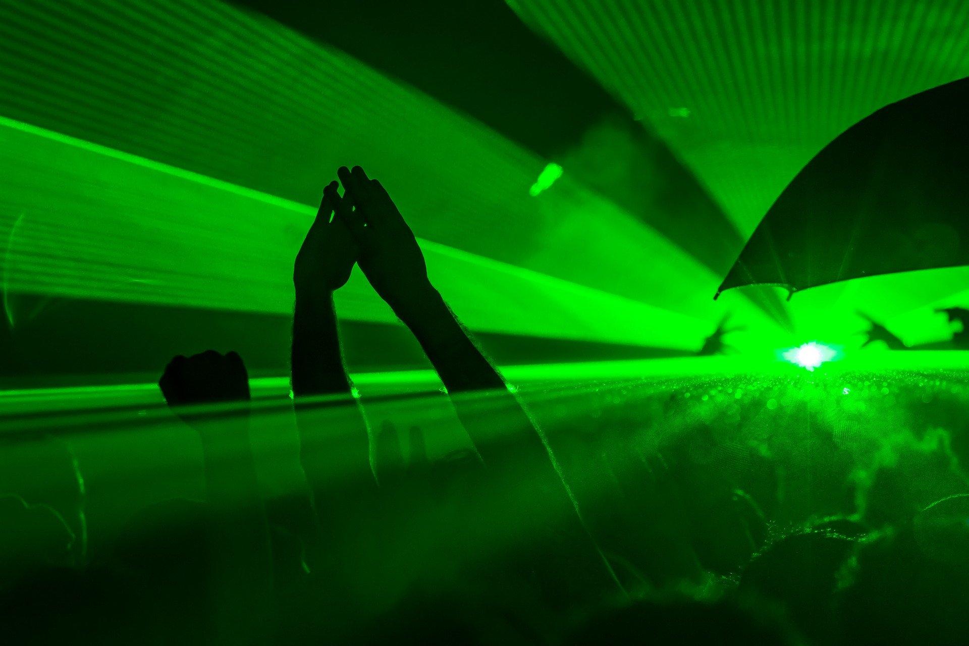 Occhiali protettivi per lavorare il laser: quando la salute non ha prezzo
