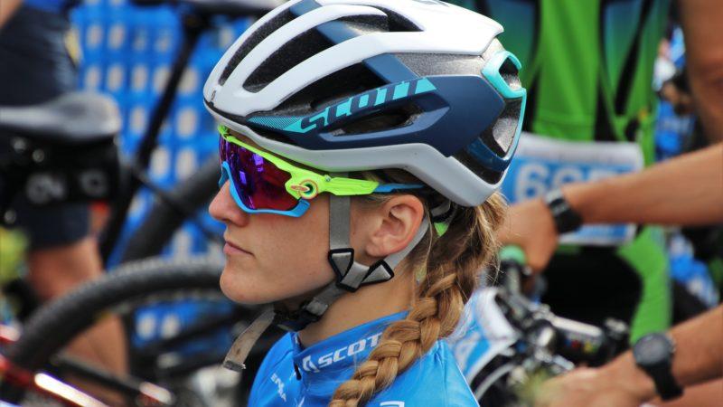 Occhiali da protezione per lo sport per evitare incidenti agli occhi